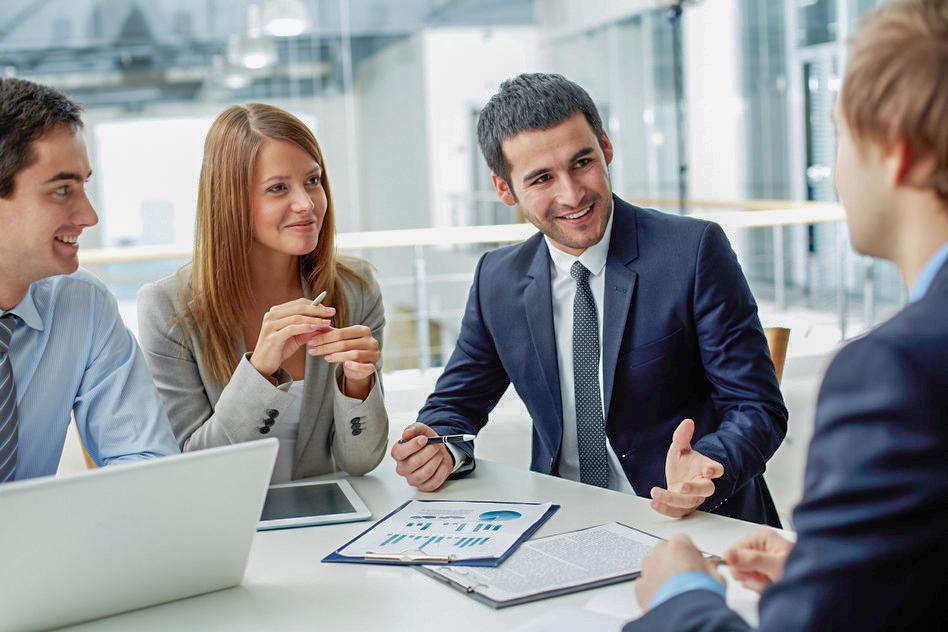Mitarbeiter erklärt Geschäftszahlen